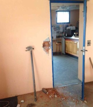 camposportivo-1-324x371 Distruzione al campo sportivo Moratti Piazza Litta Prima Pagina