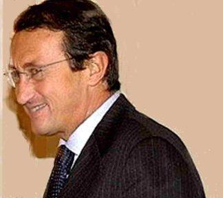gianfrancofini-324x288 Gianfranco Fini: il colonello che voleva far il generale Il mensile di Roberto Colombo Magazine Politica RITRATTI - olio su tela