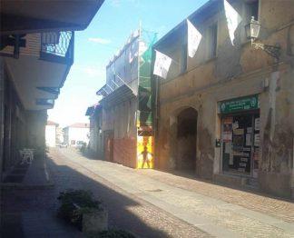 sedearluno-324x262 Tentano di linciare Latino. Salvato dalla Lega Nord Piazza Litta Prima Pagina