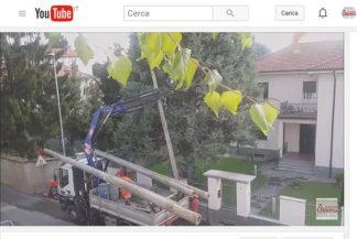 lavoriossona-324x217 Smontati i lampioni stradali di cemento (video) Piazza Litta Prima Pagina