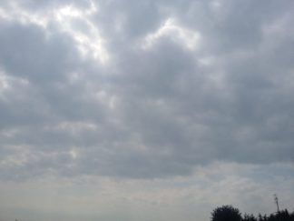 nuvole-324x243 Previsioni meteo in altomilanese per il week end Lifestyle Magazine Piazza Litta Prima Pagina