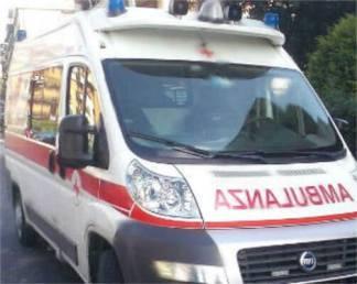 ambulanza1200-324x258 Giornata difficile tra incidenti stradali e un uomo sotto il treno Piazza Litta Prima Pagina