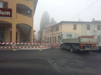 lavori-in-corso-324x243 Lavori in corso e viabilità. Attaccati al palo Piazza Litta (Ossona) Prima Pagina