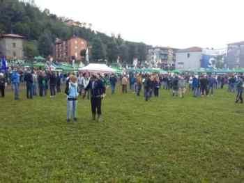 prato-pontida-350x263 Pontida. Eccoci sul prato della Lega Nord in Live Politica Prima Pagina