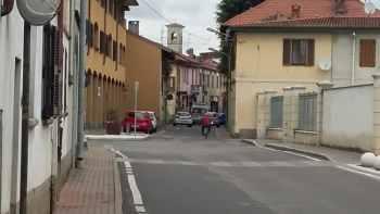 ossonaciclista-350x197 Ciclista investito in via Padre Giuliani a Ossona. Che novità! Piazza Litta Prima Pagina