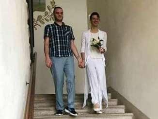 matrimonio-gay Primo matrimonio gay ad Ossona. Auguri agli sposi. Ha vinto il loro amore! Cronaca Altomilanese Gay pride Piazza Litta (Ossona)