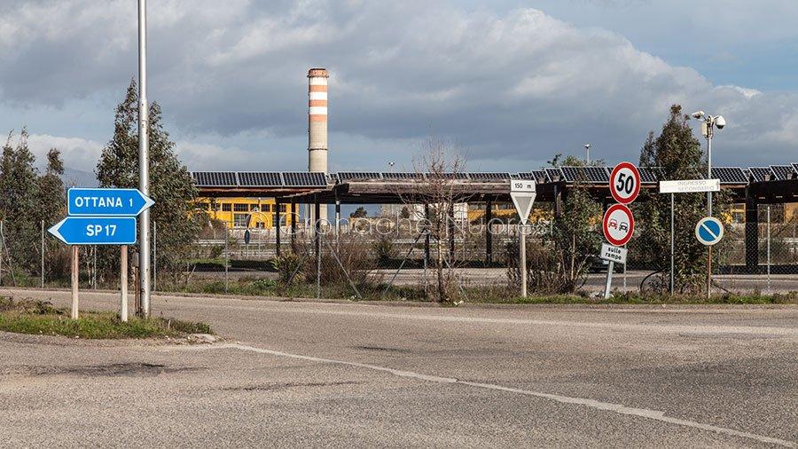 L'ingresso a uno degli stabilimenti nella zona industriale di Ottana (foto S.Novellu)