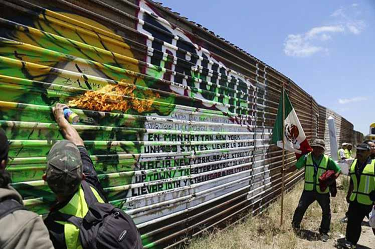 Trump advierte problema masivo de crimen en México; insiste en muro
