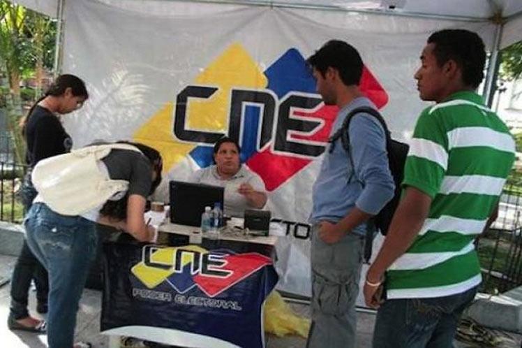 CNE abrirá inscripciones en el Registro Electoral en Venezuela y consulados — Maduro
