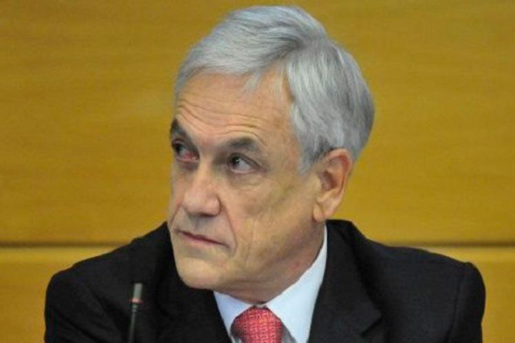 Banco Central: Endeudamiento de chilenos alcanzó máximo histórico