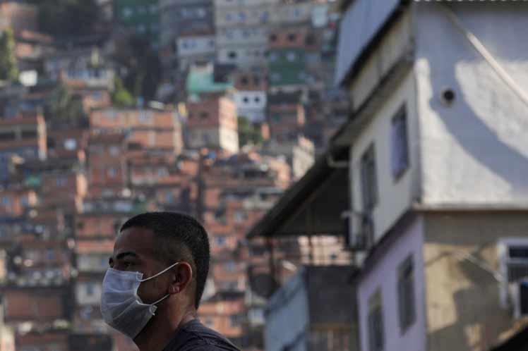 Brasil rectifica número de muertos y contagios por coronavirus tras cuestionados informes