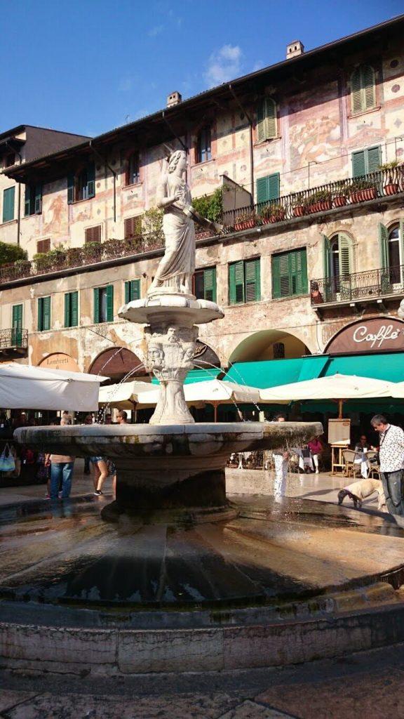 Qué ver en Verona en un día. Fuente de Madonna Veronese.