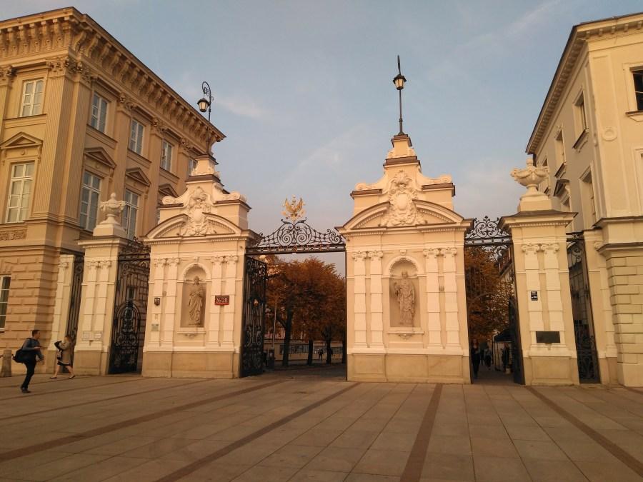 Entrada a la Universidad. Centro histórico de Varsovia.