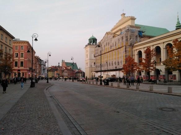 Centro histórico de Varsovia. Calle Krakowskie Przedmiescie.