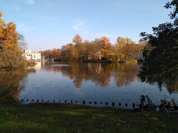 Palacio Lazienki o Palacio sobre el agua.