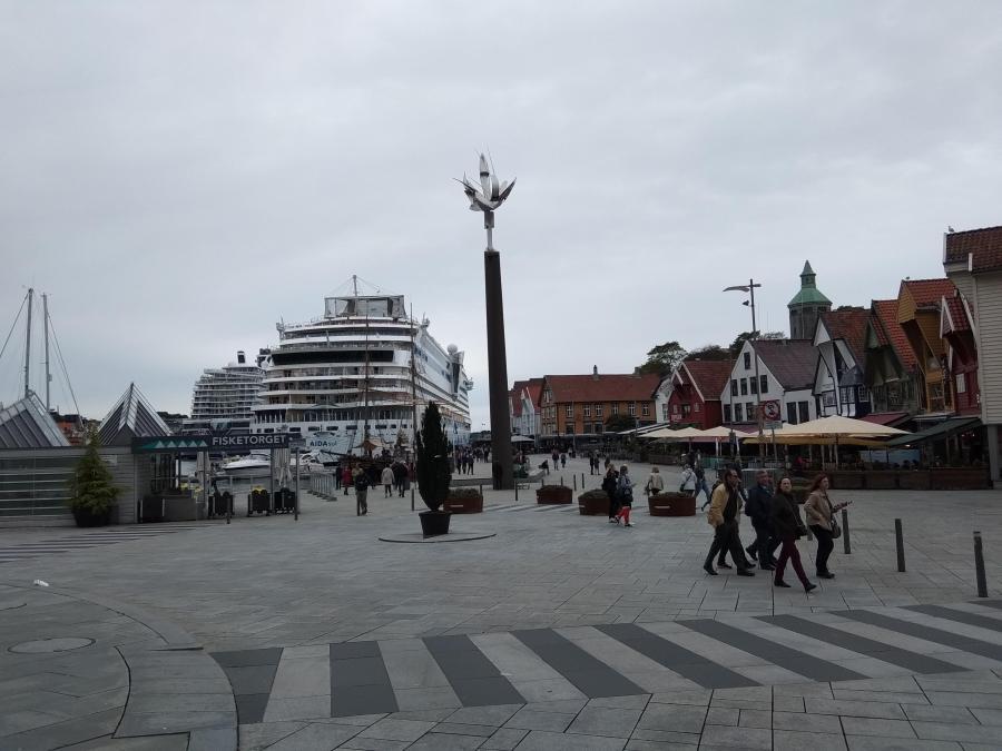 Una de las plazas principales de la ciudad.