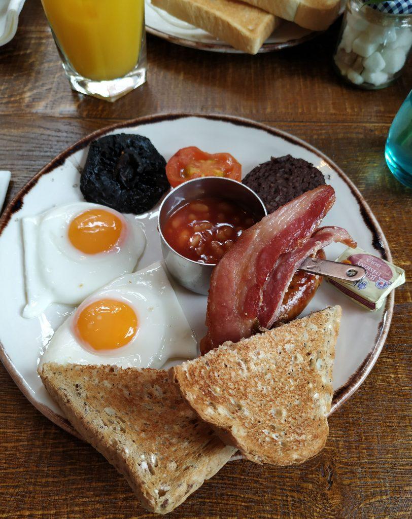 Full english breakfast. Desayuno típico inglés