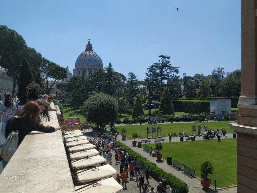 Jardines de los Museos Vaticanos. Capilla Sixtina Miguel Ángel . San Pedro El vaticano.