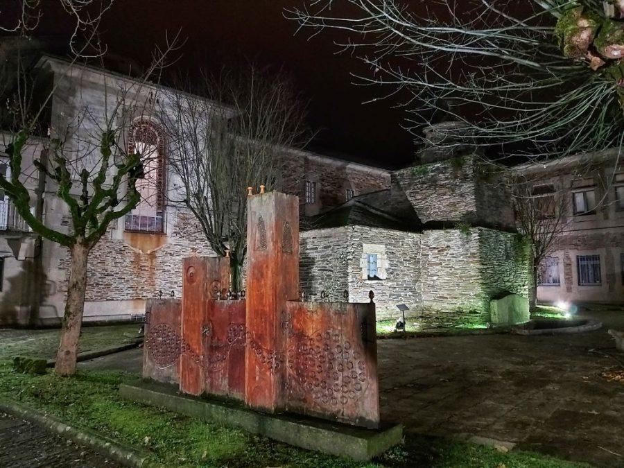 Qué ver en Lugo. Jardines Museo Provincial. Escultura y cocina.