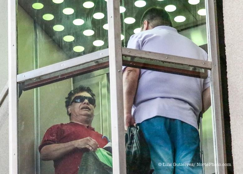 Juan Gabriel, paparazzi Foto:LuisGutierrez TodosLosDerechosReservados