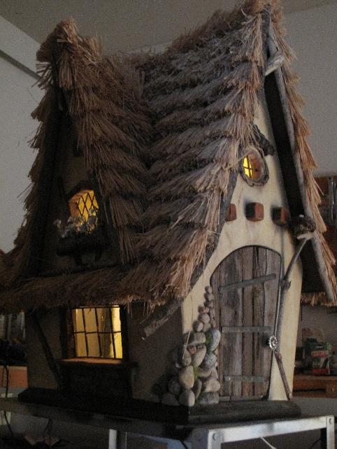 Hobbit Crookedbirdhouse