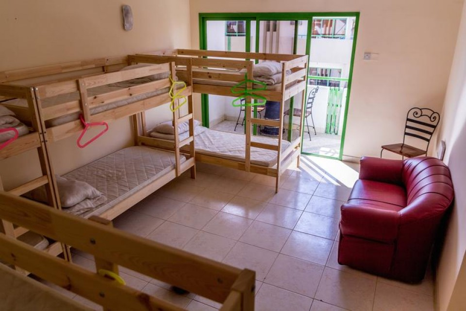 Backpacker 16 Hostel Bed Space In Al Karama Dubai Croozi