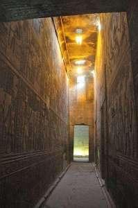 hallway_1557-59
