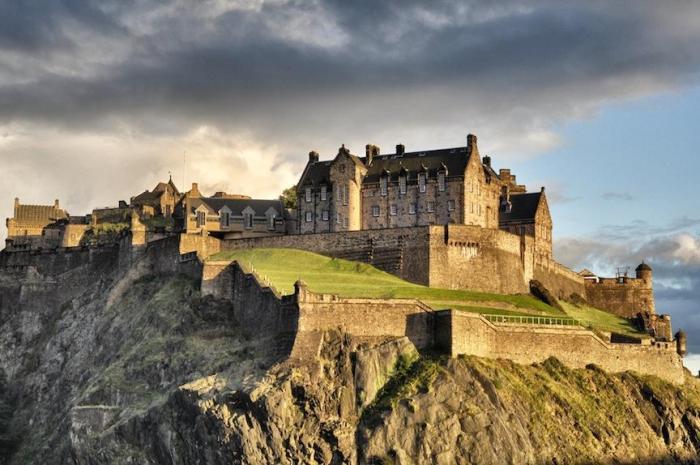 europe-united-kingdom-scotland-edinburgh_dsc_0296-dsc_0298_pro2