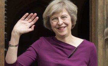 Тереза Мей към легално пребиваващите: Искаме да останете и след Брекзит