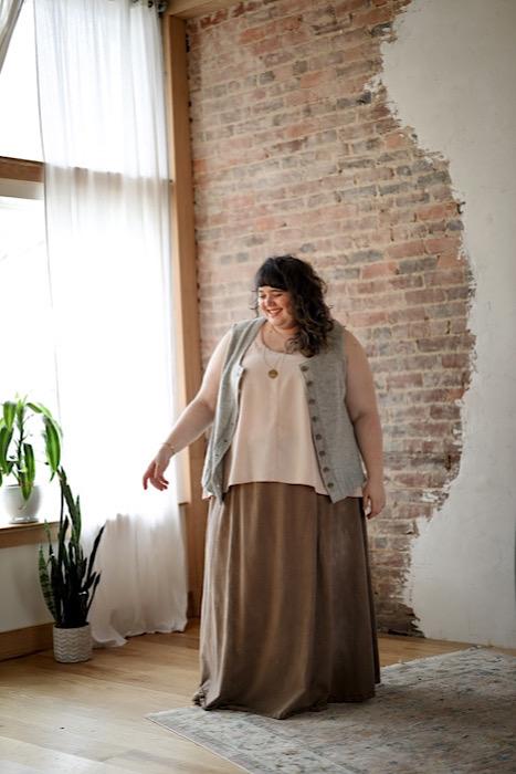 Deren vest Embody - Jacqueline Cieslak by Pom Pom Press