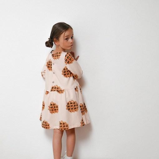 Helsinki Dress - Ikatee Paper Sewing Pattern Modeling