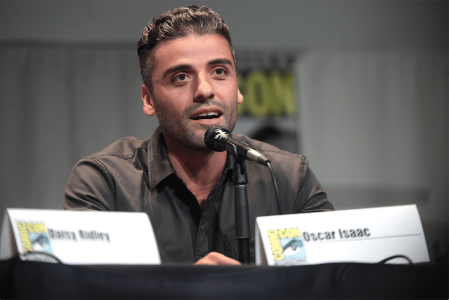 Oscar+Isaac+plays+pilot+Poe+Dameron+in+the+Star+Wars+franchise.+He+was+recently+discovered+in+a+2009+photo+wearing+an+Atlas+Shrugged+t-shirt.