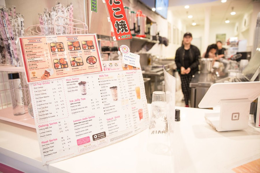 Cashier+at+Vivi+Bubbles+in+the+Eden+Center.+Photo+courtesy+of+the+Eden+Center.+