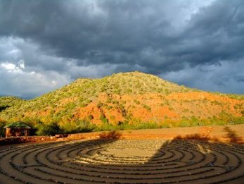 Sedona retreat, shamanic journey, nature connection, ceremony, insight sessions, mindfulness, labyrinth