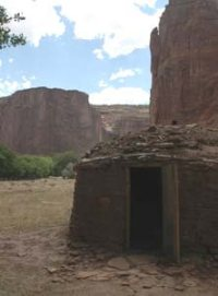 Tradtional hogan Canyon de Chelly photo by Sandra Cosentino