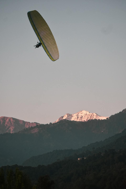 Bir Billing Paragliding in the winter season