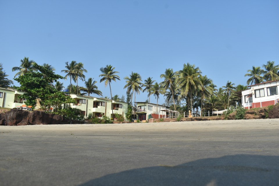 Stay within a budget in goa