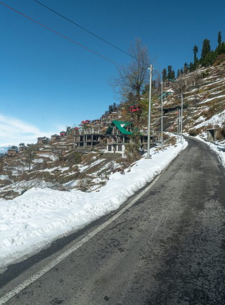 Shoja Valley covered with snow at the time of winter season