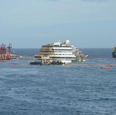 TITAN-Salvage-costa-concordia-day