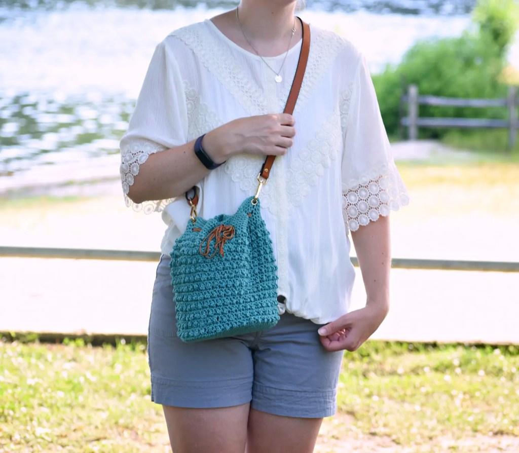 islander crochet tote