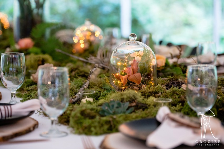 mossy table settings