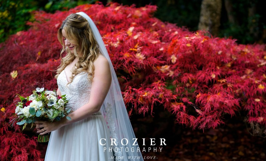 Amazing portrait in front of japanese maple