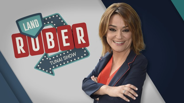 A presentadora Toñi Moreno e o grupo de trap Verto, convidados esta semana no 'Land Rober Tunai Show'