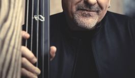 """Brian Bromberg """"Thicker than water"""" new album out july 13th"""