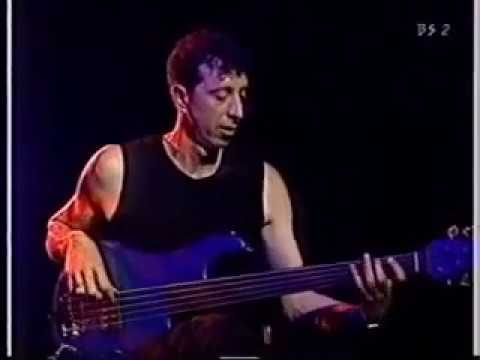 Manu Katche and Dominic Miller live at Montreux 1999 (Pino Palladino solo)