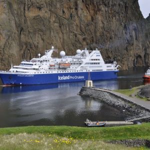Rondom IJsland per expeditie cruiseschip, 12 dagen