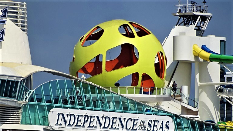 DSC07909-Kopie Modernisierte INDEPENDENCE OF THE SEAS in Hamburg