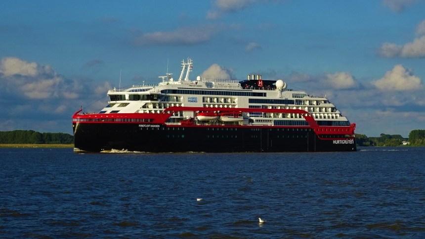 Roald-Amundsen-022 Hurtigruten setzen Expeditions-Kreuzfahrten aus