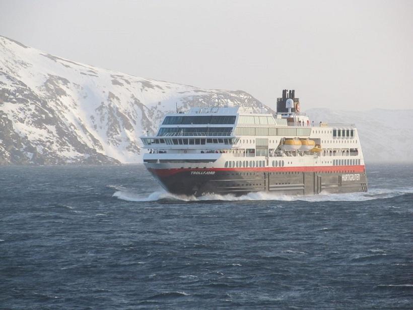 Trollfjord-Copyright-Hurtigruten Kennt Ihr die Hurtigruten-Schiffe MS MAUD, MS OTTO SVERDRUP und MS EIRIK RAUDE ?