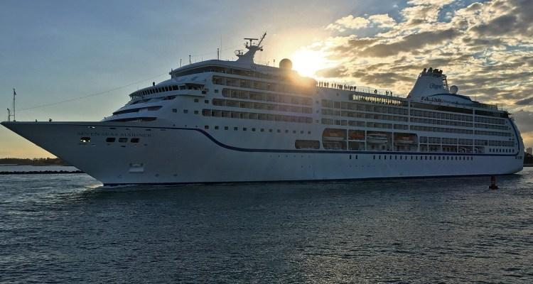 Seven Seas Mariner departing Miami ©CruiseInd